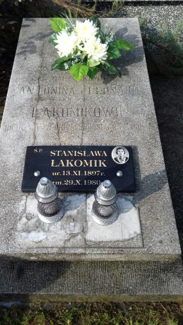 Grób patronki Stanisławy Łakomik